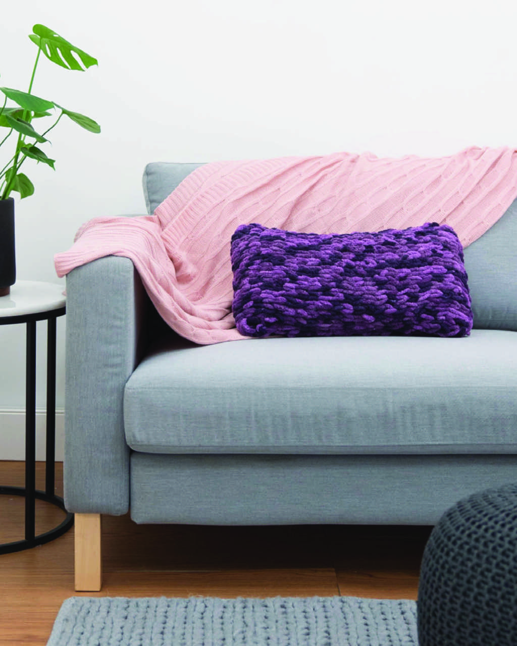 Loopz - Rectangular Cushion